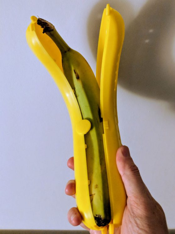 A banana not fitting in the banana guard