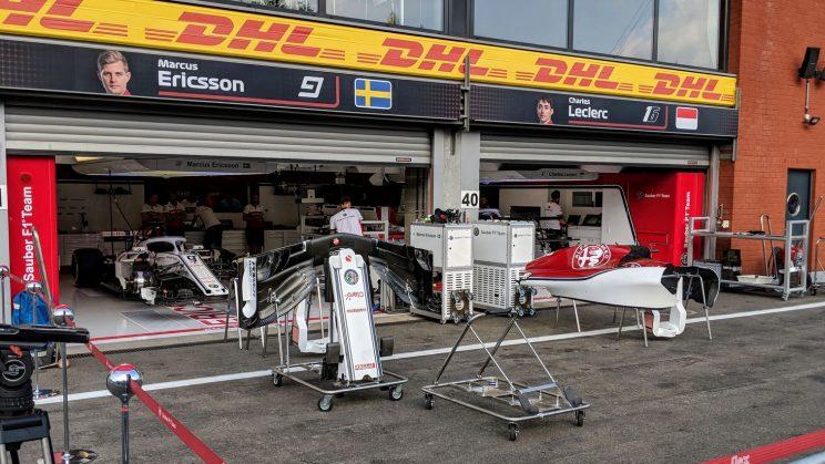 Sauber garages