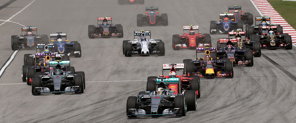 F1 cars in 2015 (photograph by Morio)