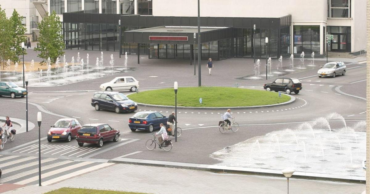 Hans Monderman's squareabout in Drachten (original photo from Fietsberaad - https://flic.kr/p/7sZfta)